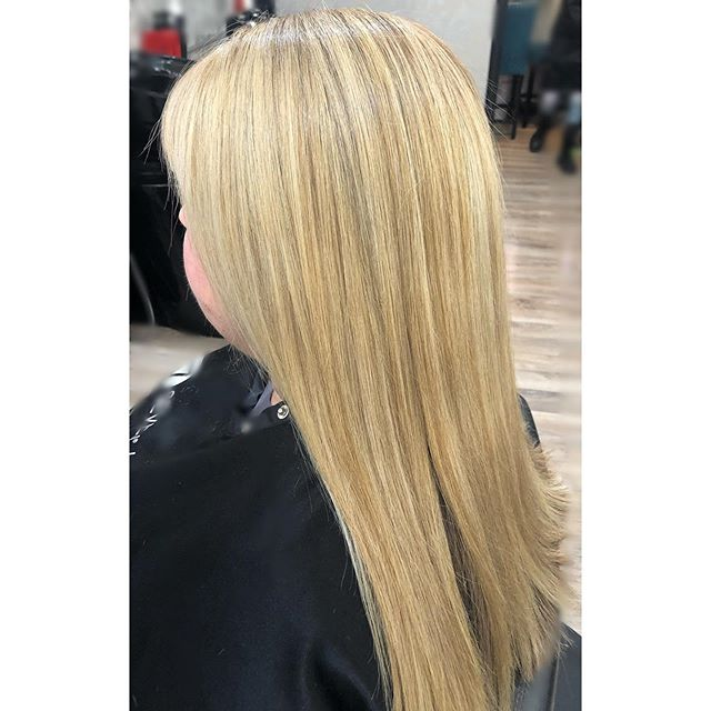 """Hair by Lou Swipe to see where we started! My client wanted to be a bright blonde for her upcoming trip to Cabo. I was very excited to implement the techniques I learned from @mane_ivy in Arizona last week. I love that I was able to make her this beautiful blonde without having to do a traditional foils all over her head. Call for appointments 916-786-2353. * * * I used Wella blondor with 20 volume w/B3. I started in the back and brick laid foils to give optimal lighting. Next I went through and touched up her """"natural sparklers"""" with a mix of 8.0 + 8.1 Megix 10 color. At the bowl is where the rest of the magic happened! I did a soft root shadow using Shades Eq 7NB+ 7N then toned her ends with 9N + 9GI + 8GN + clear. Her hair was so pretty and soft. Her base looked like she was born a natural blonde!  #lucyssalonandspa #longblondehairstyles #shadeseq #sacramentohairstylist #roseville #naturallookinghair #megix10 #rootshadowblonde"""