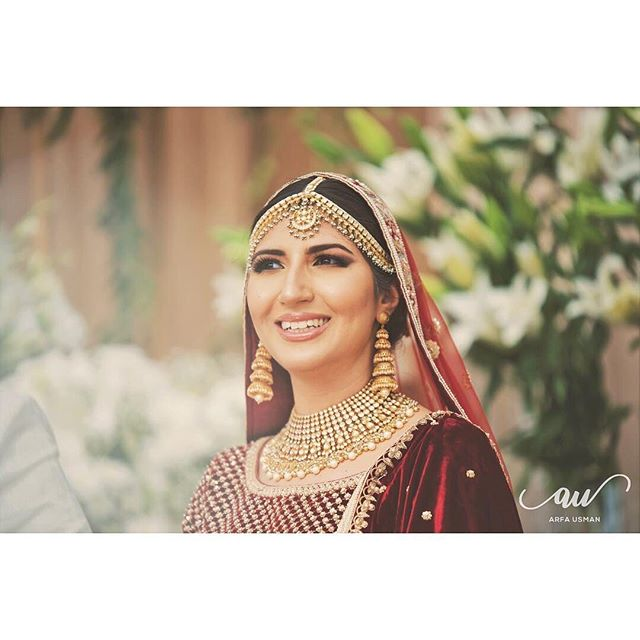 A very special occasion indeed. Our BIBI Bride @hajraidrees looking absolutely stunning in @sabyasachiofficial accompanied by Heritage Jewels. #heritagebride #sabyasachibride #bibibride ✨ 📸 @arfausmanweddings  Call us on +44(0)7931 999111 or Visit our Online Store: www.heritage-jewels.com  #weddinginspo #regalbrides #indianjewellery #asianbridal #heritagejewels #desiwedding #asianjewellery #asianwedding #asianbride