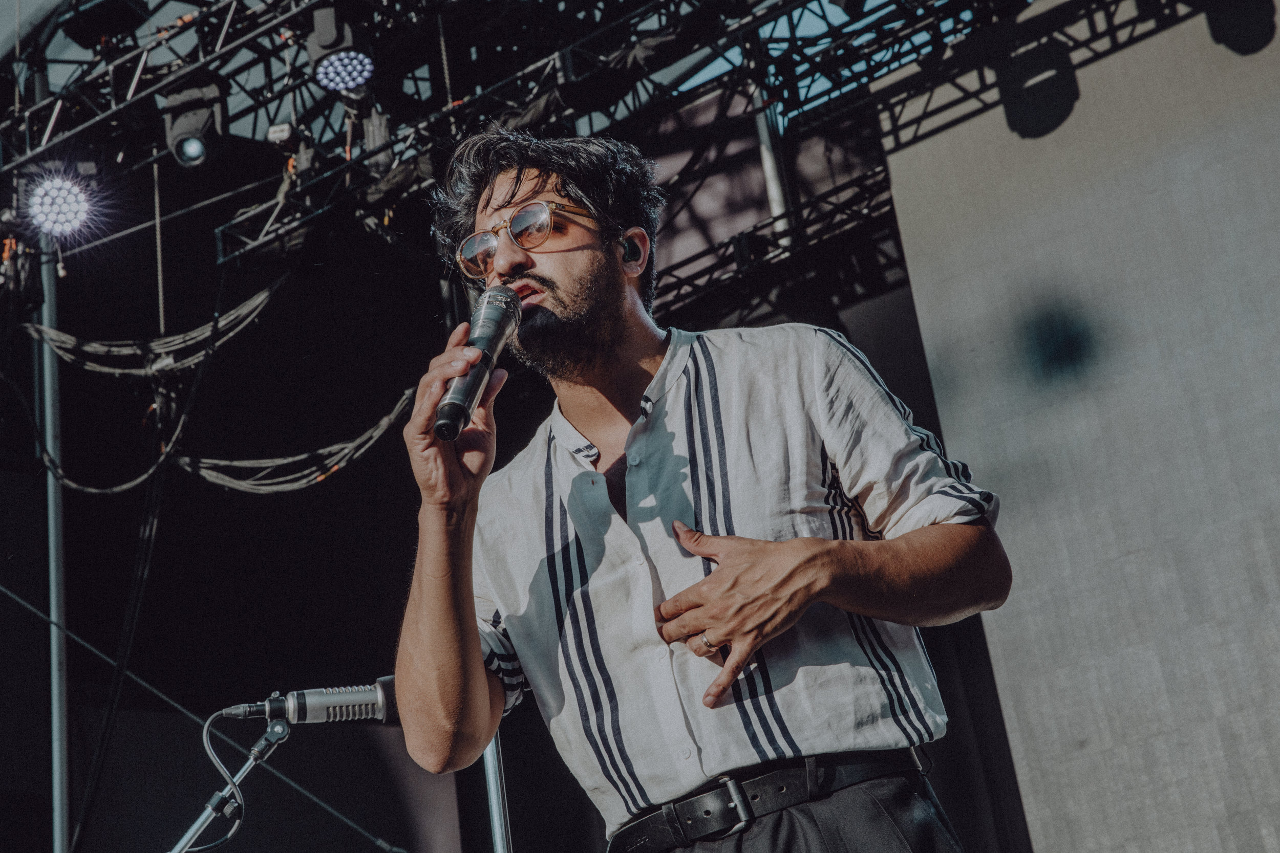 WILLIAMS_YOUNGTHEGIANT-5.jpg