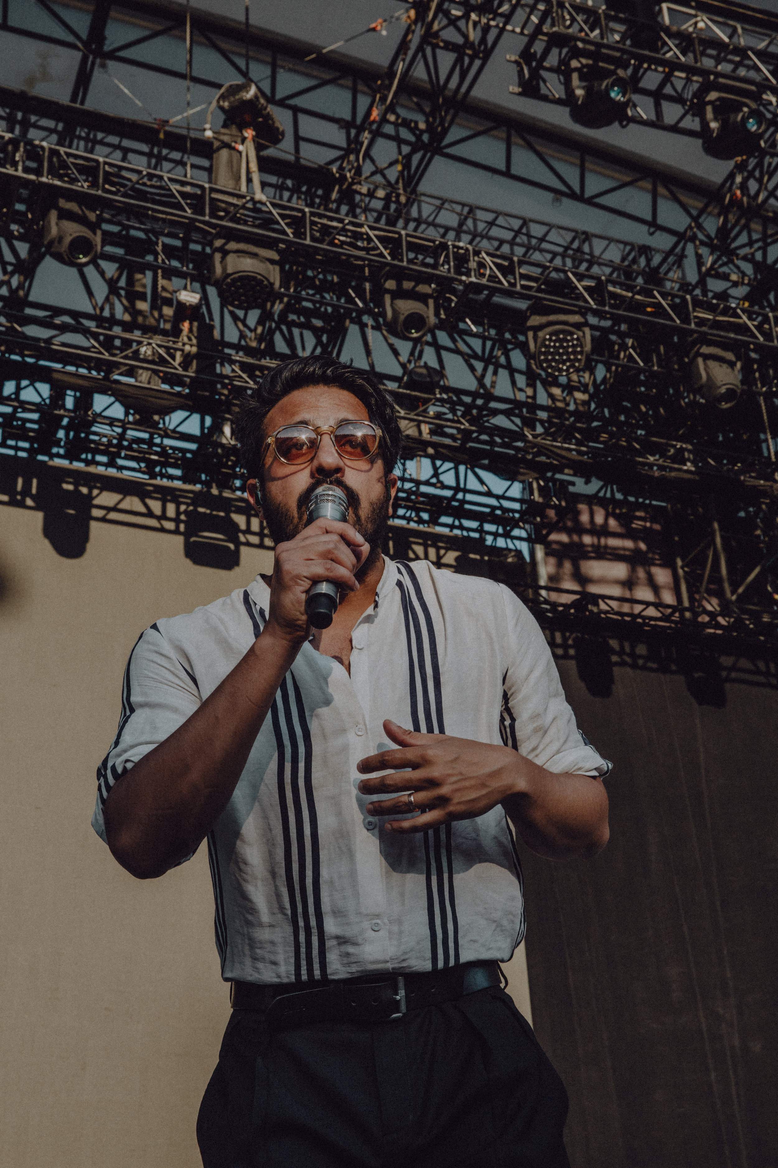 WILLIAMS_YOUNGTHEGIANT-15.jpg