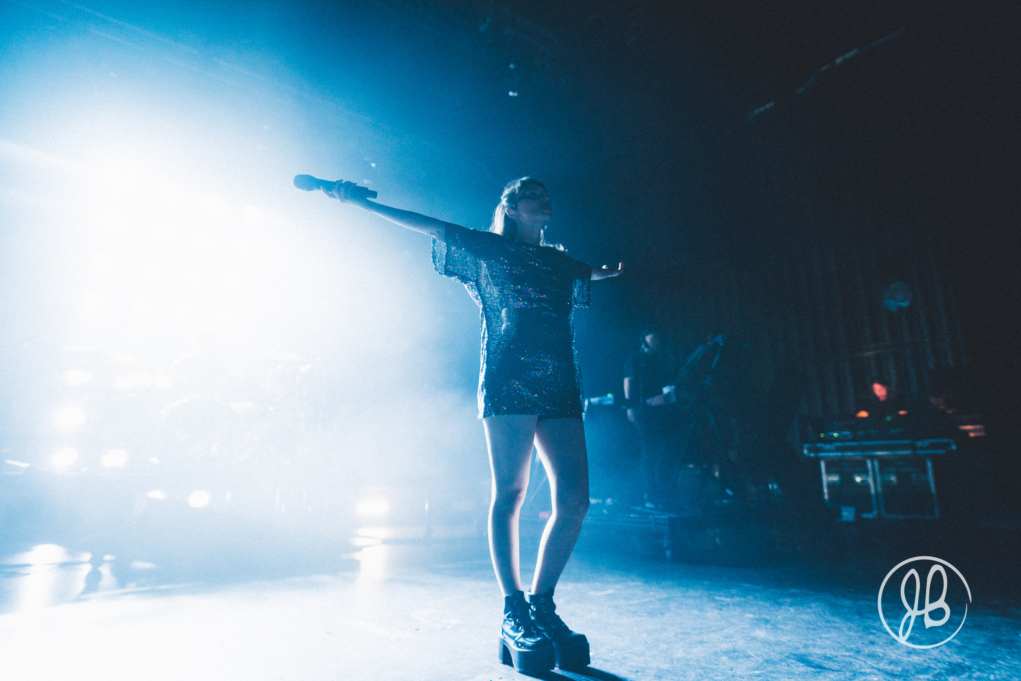Chvrches-Acentric-7.jpg