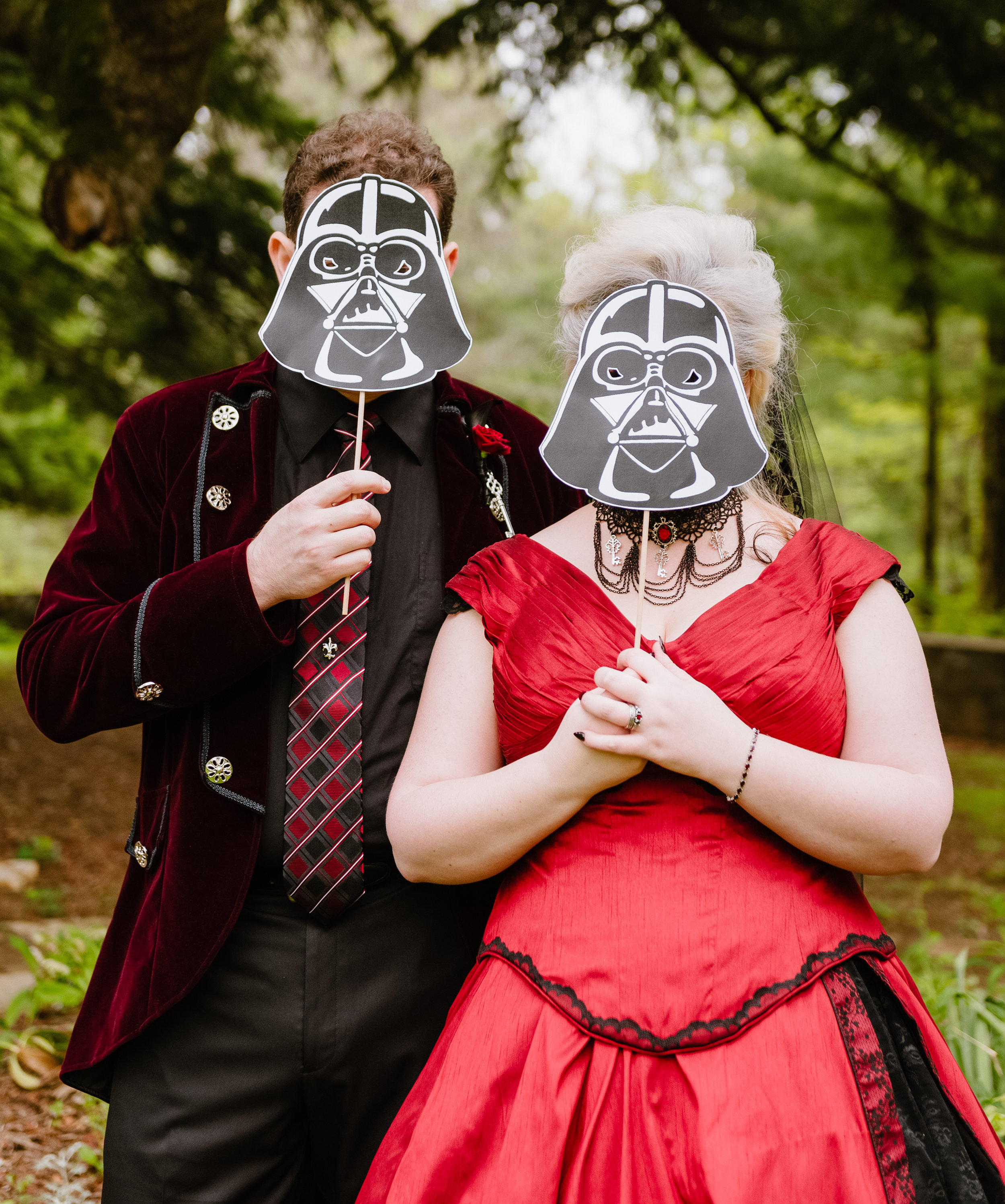 Virginia-Star-Wars-goth-nerd-wedding.jpg