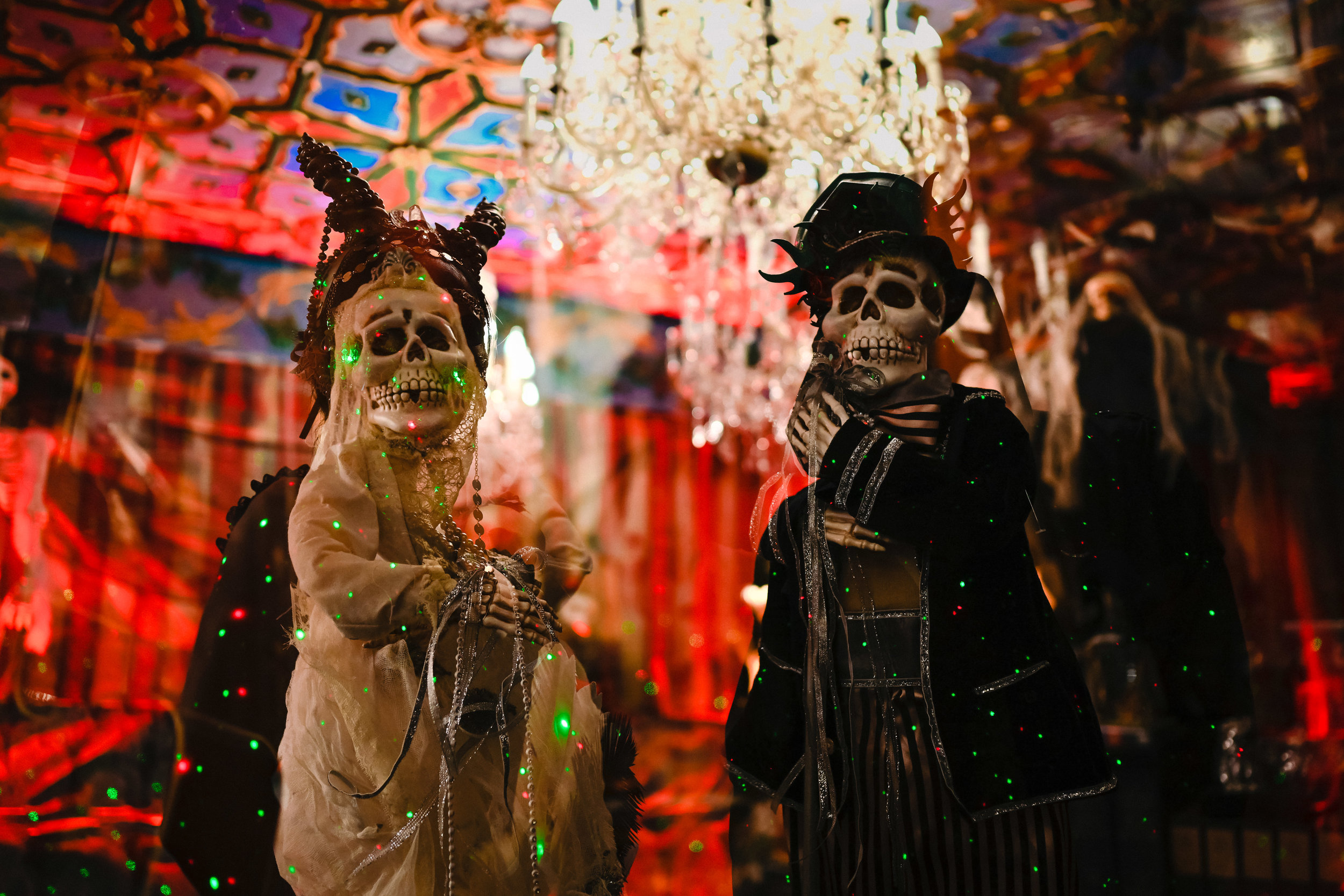 mansion-o-halloween-wedding.jpg