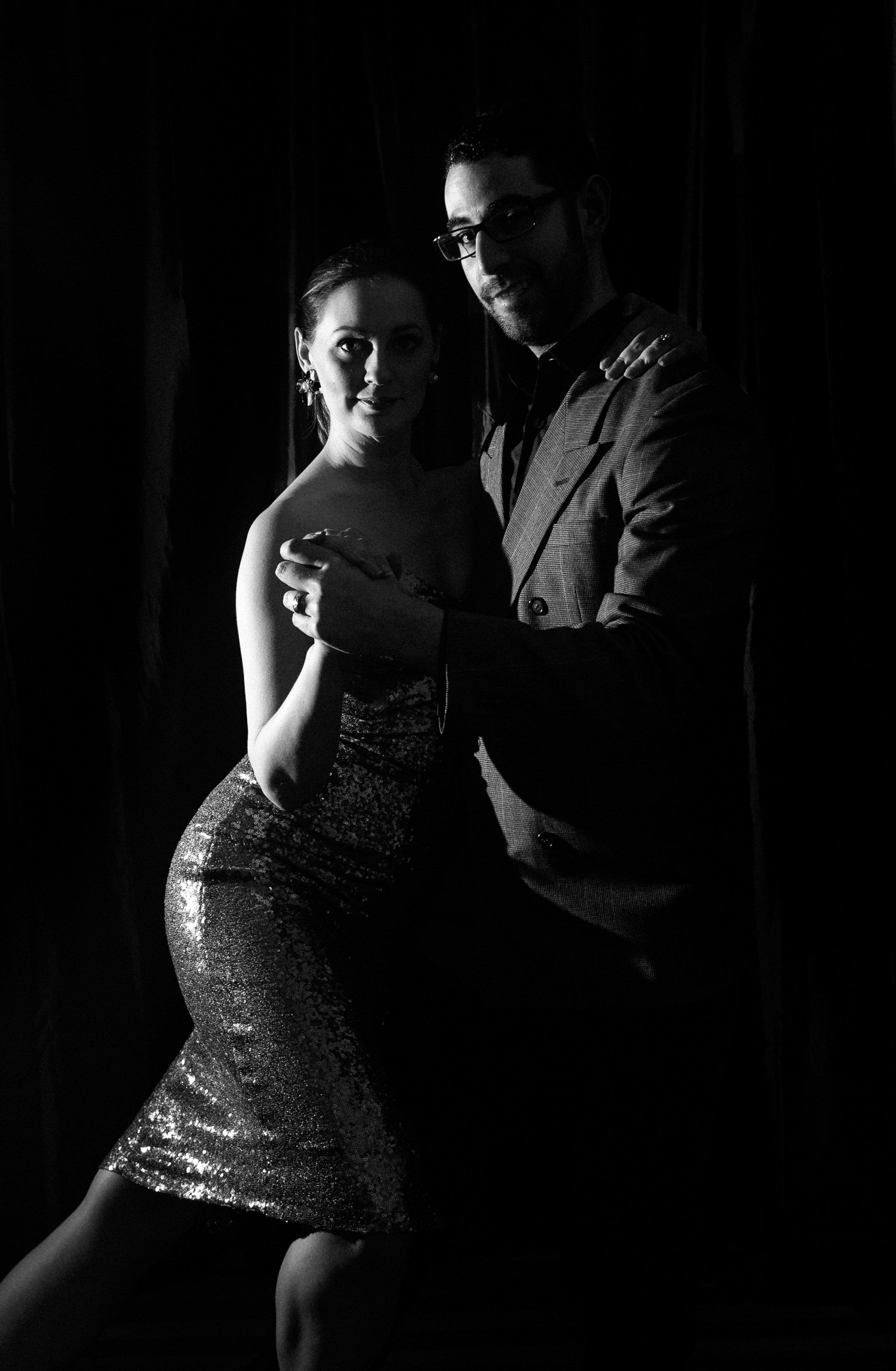 dramatic-dance-portrait-black-white.jpg