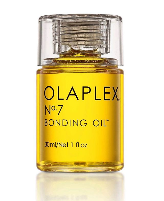 New olaplex bonding oil  Strengthens & Repairs  UV protection Heat protection up to 450 degrees  Reduces frizz & flyaways  Extends color Lightweight  Vegan & cruelty-free  #olaplex #olaplexbondingoil #olaplex7 #solastudios #chicago #hairoil #healthyhair #hair @olaplex @solachicago @solasalons @chicago @beautycraft_chicago