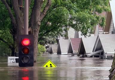 Flooded Houses - traffic light.jpg