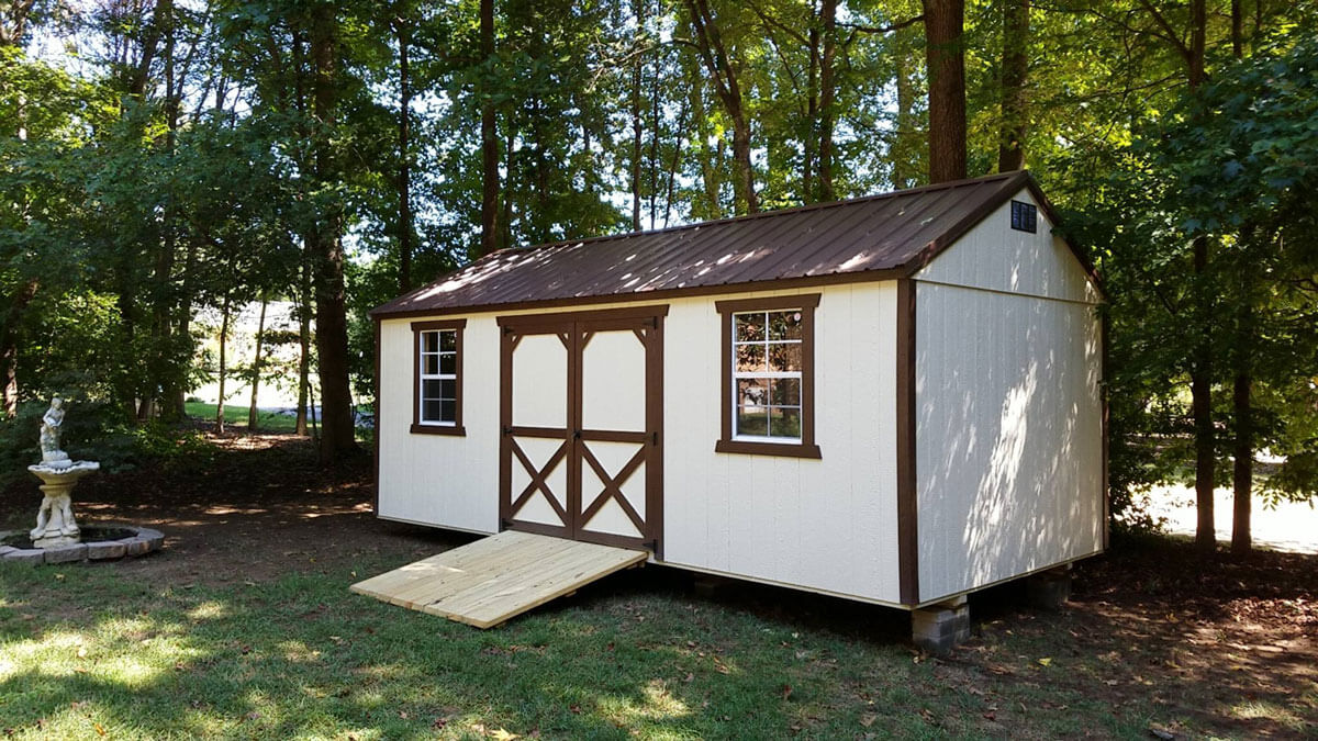 w-painted-utility-shed-with-ramp.jpg