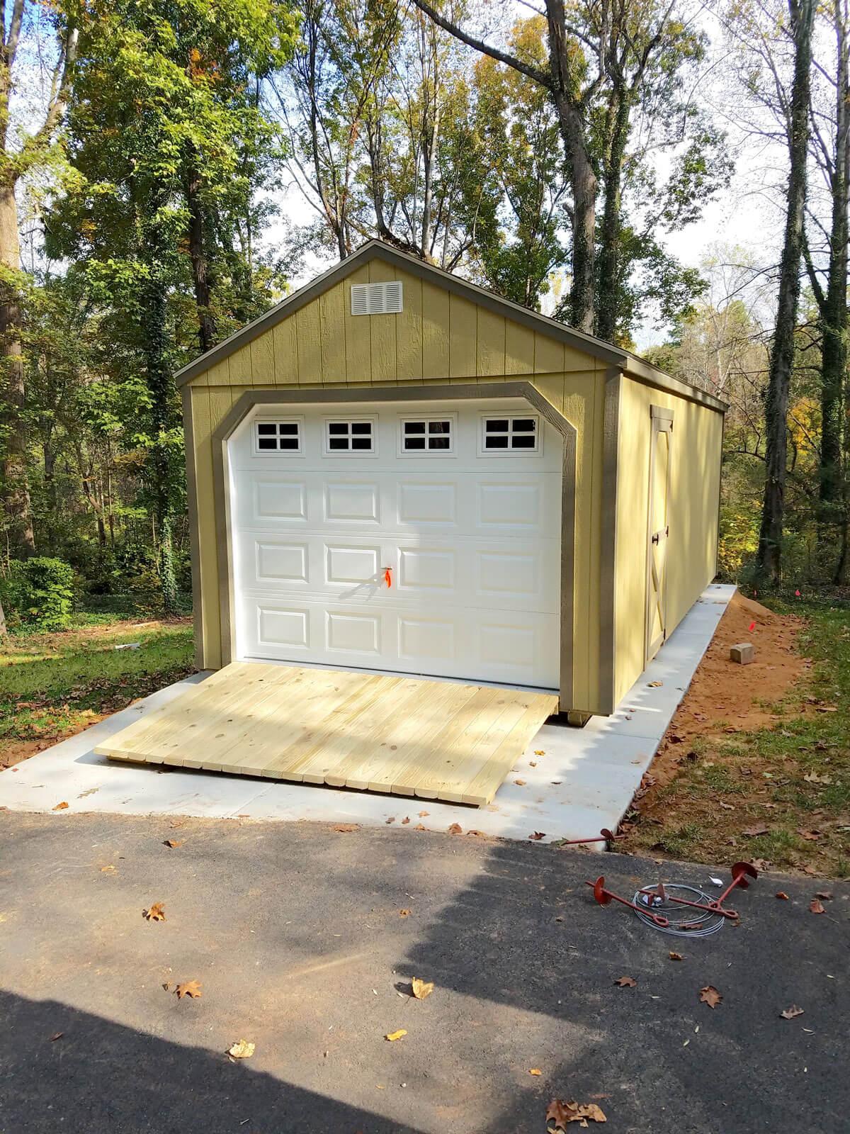 w-painted-utility-garage.jpg