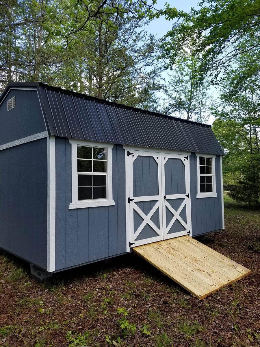 w-painted-lofted-barn-with-ramp.jpg