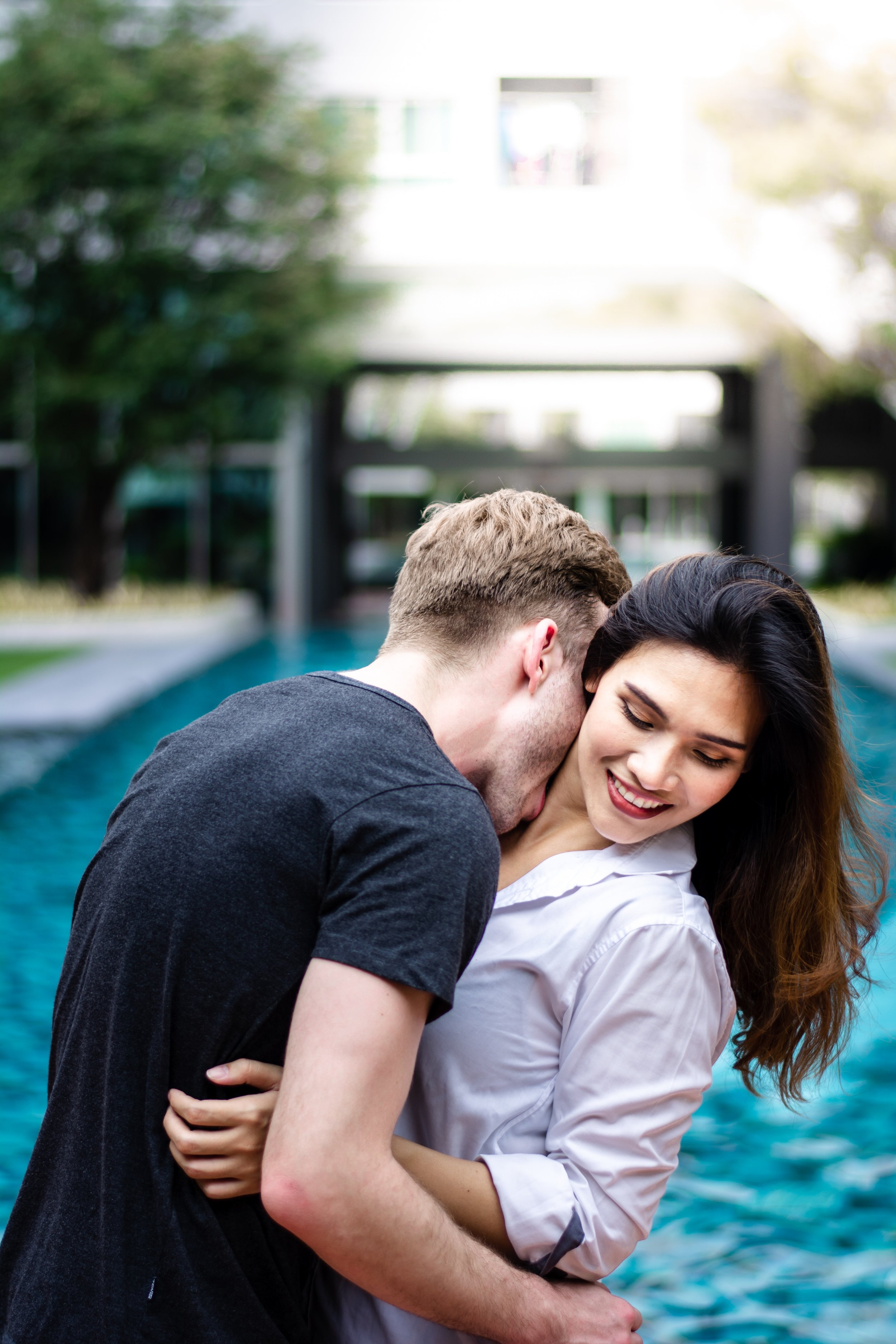 affection-blurred-background-couple-1232019.jpg