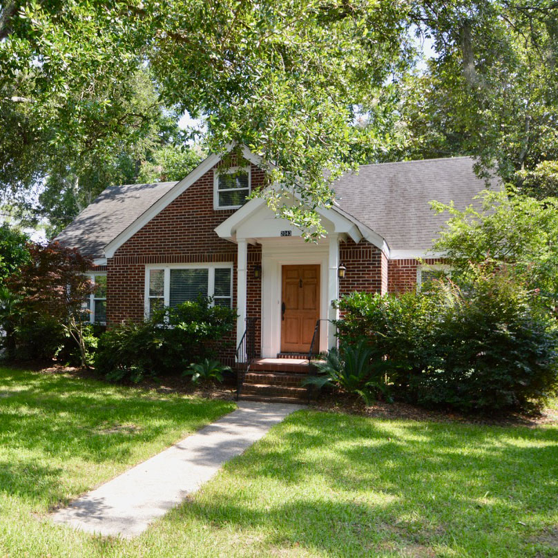 ***   3BD | 2BA | 2000SF   • • •  Brick cottage located in Riverland Terrace.  • • •   Unfurnished