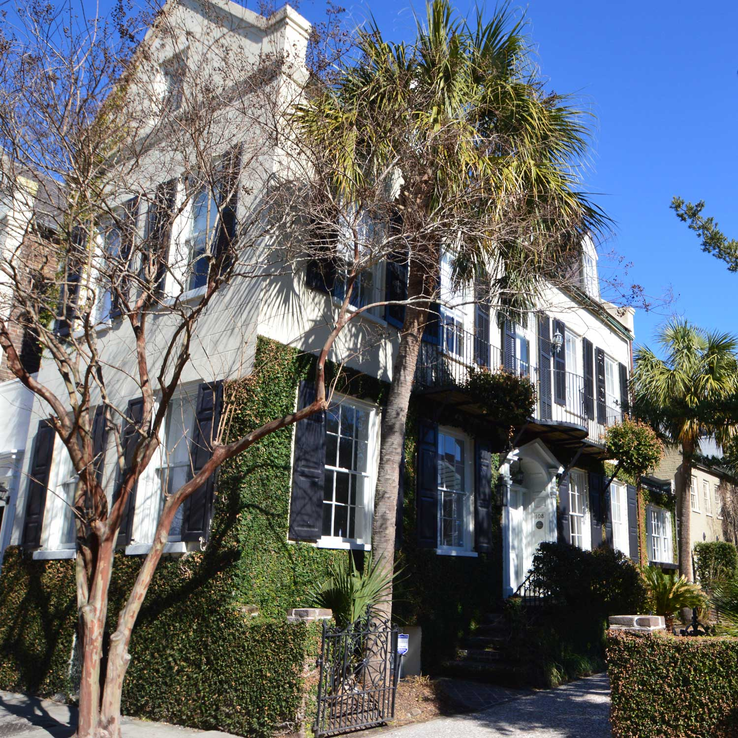 ***   4BD | 3BA | 3200SF   • • •  Charleston single style residence with driveway parking.  • • •   Unfurnished