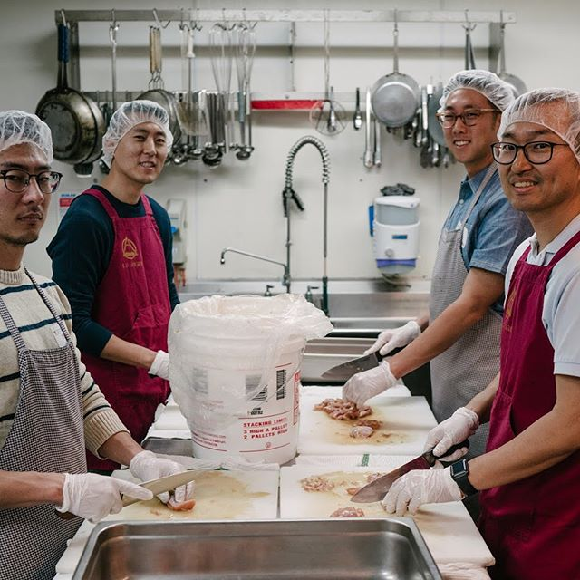 Join us next time at #ronaldmcdonaldhouse as we serve #sandiego together ❤️ 📷: @joshuaps . . . . . . . #service #friends #family #mcdonald #food #cooking #sharing #life #love #joy #hopepcsd