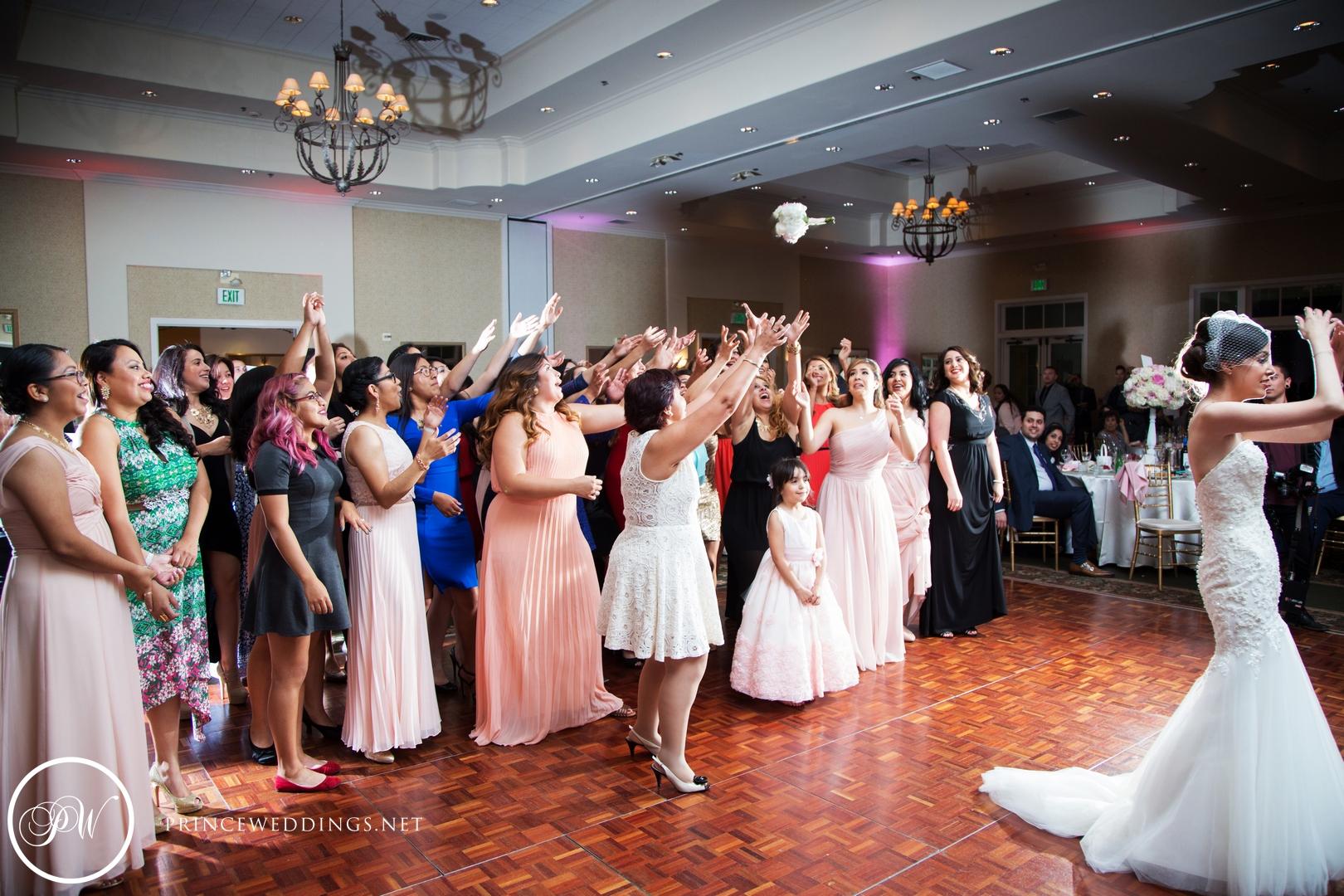 loscoyotes_Wedding_Photos100.jpg
