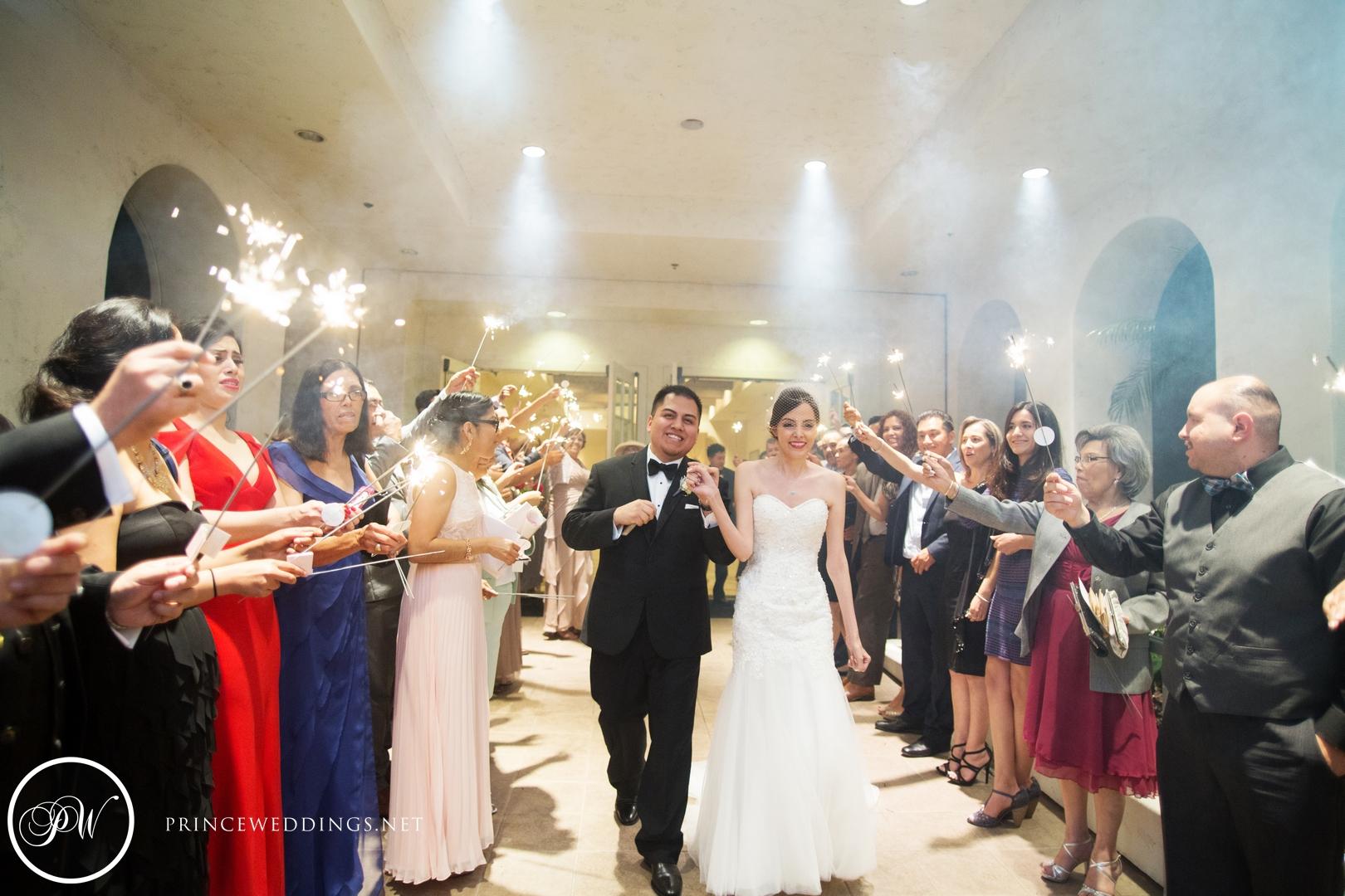 loscoyotes_Wedding_Photos105.jpg