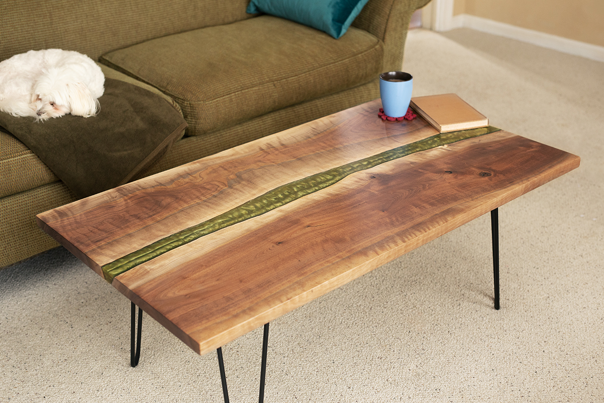 Figures_of_wood_coffee_table.jpg