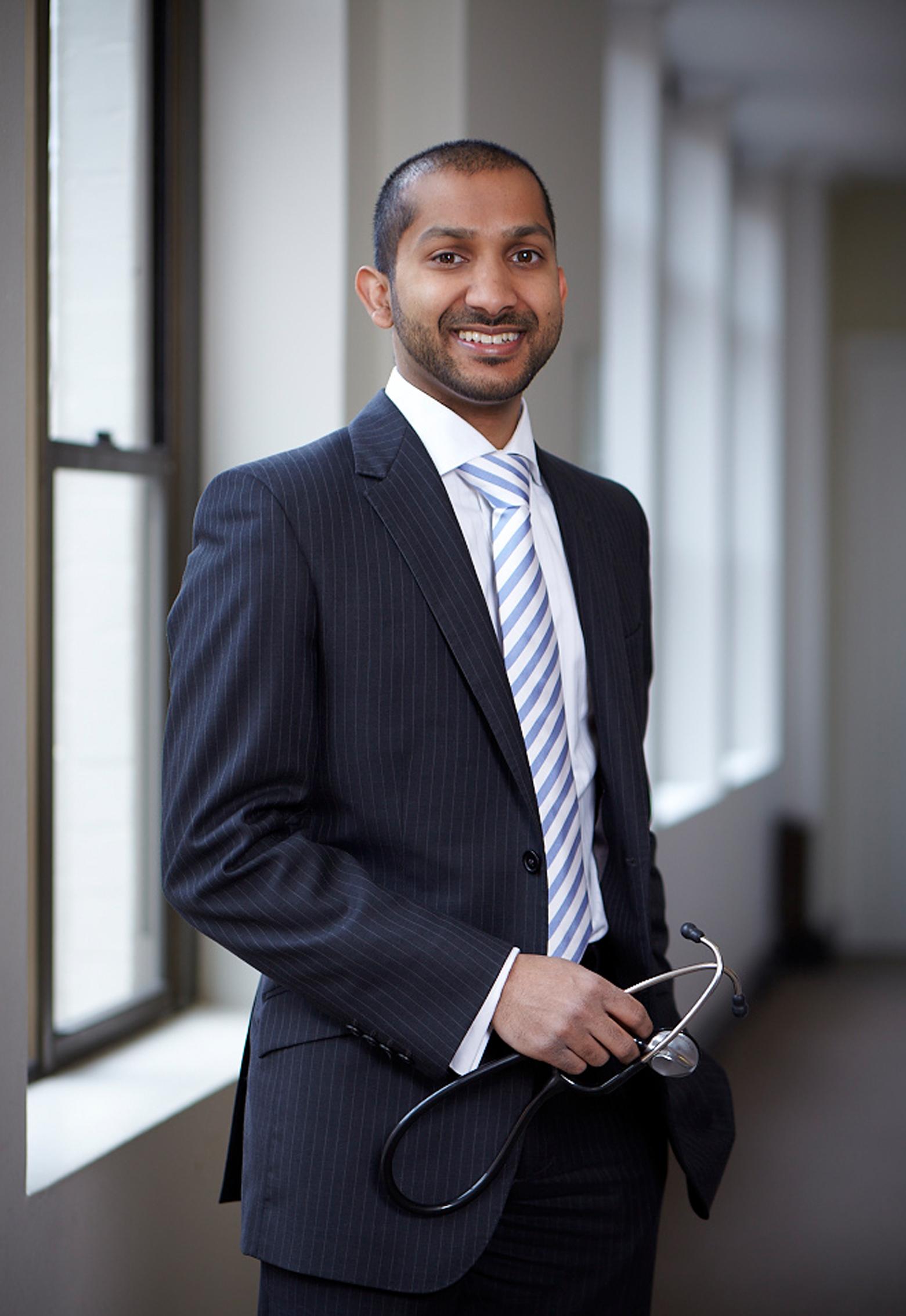 Dr Isuru Nammuni