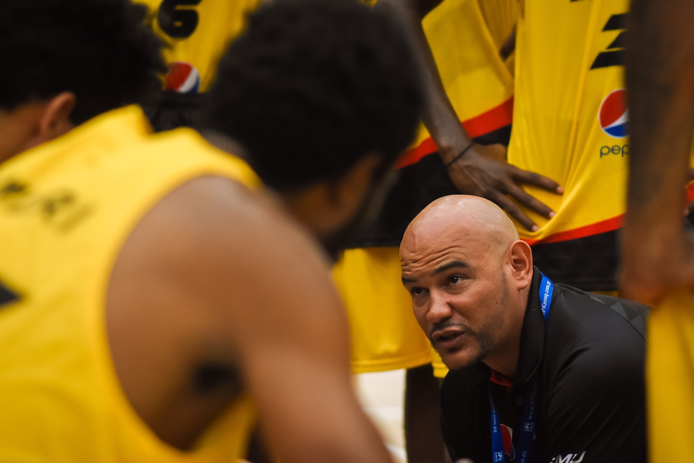 Khalu addresses his PNG Players during the 2017 FIBA Melanesia Cup. Picture: Adekponya