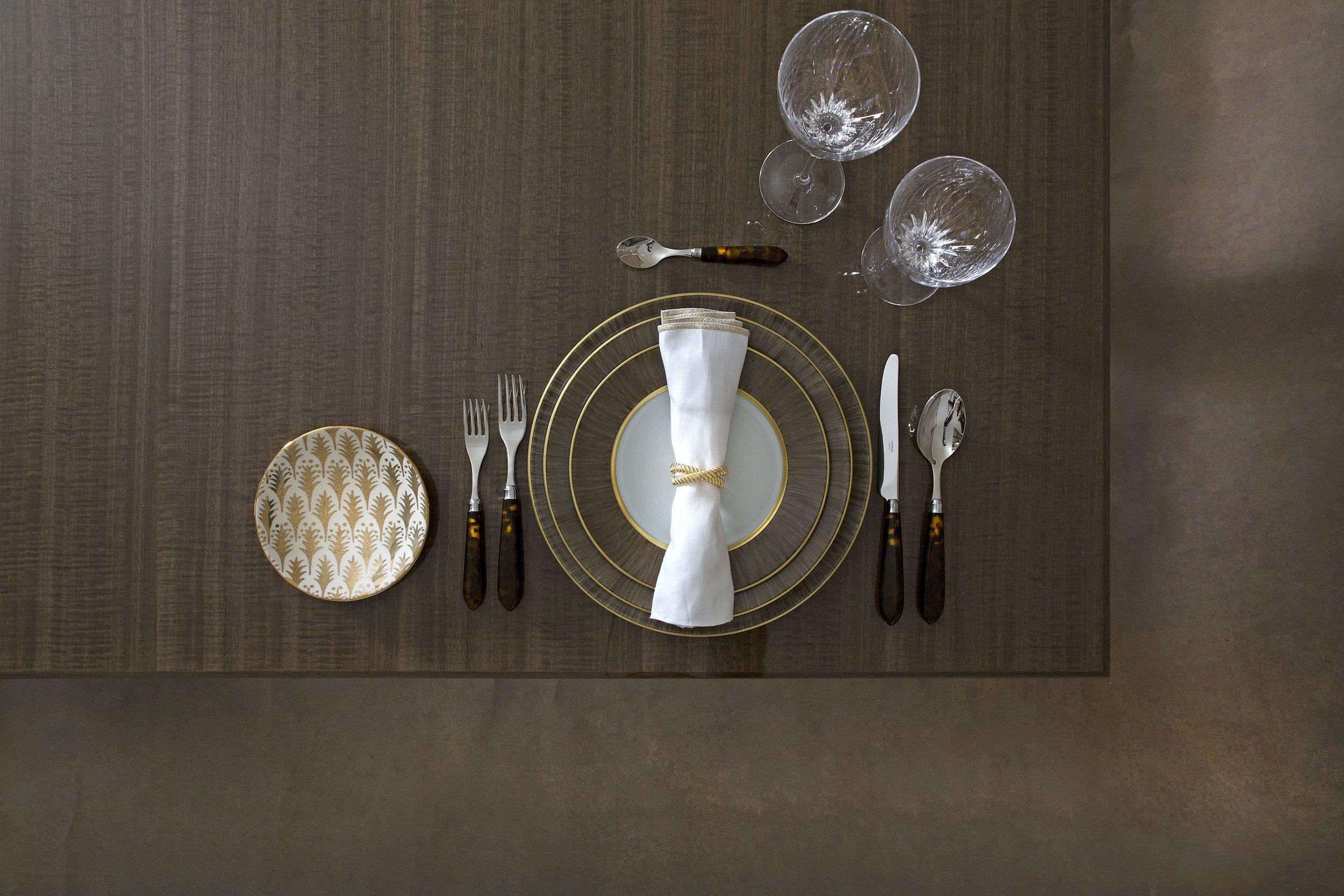 the_katya_table_-_silvered_fiddleback_eucalyptus_-_bonadea_accessories_1.jpg