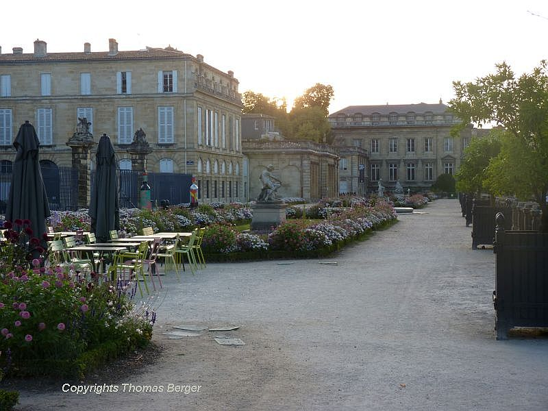 Located within the Jardin Publique are charming terraces with sculptures, flower beds and a cafe. The building in the background, created in 1781, is the Museum of Natural History.