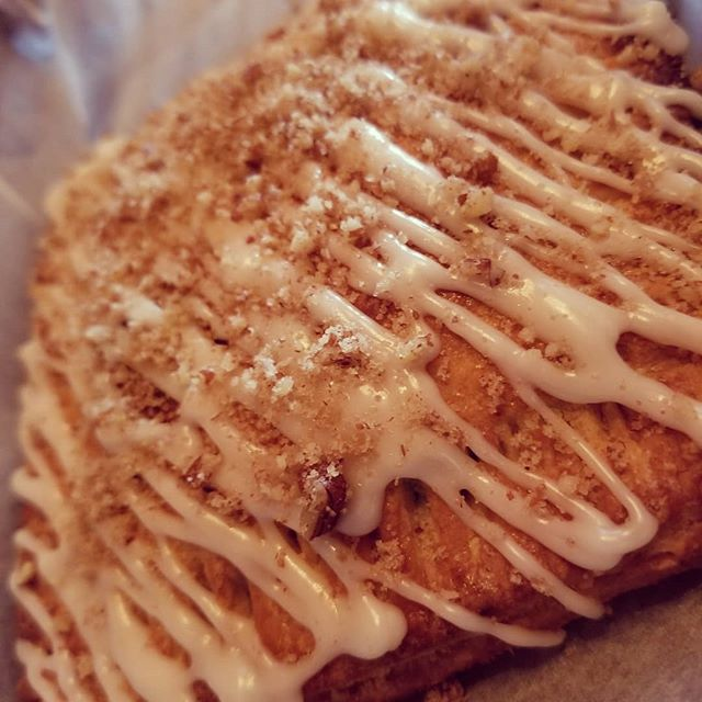 Housemade pecan Wheytarts *restaurant only* so good.  Get yours with a scoop of @grassrootsicecream . . . . . . #wheystationary  #poptarts #pecanpie #sweettooth #dessert #housemade