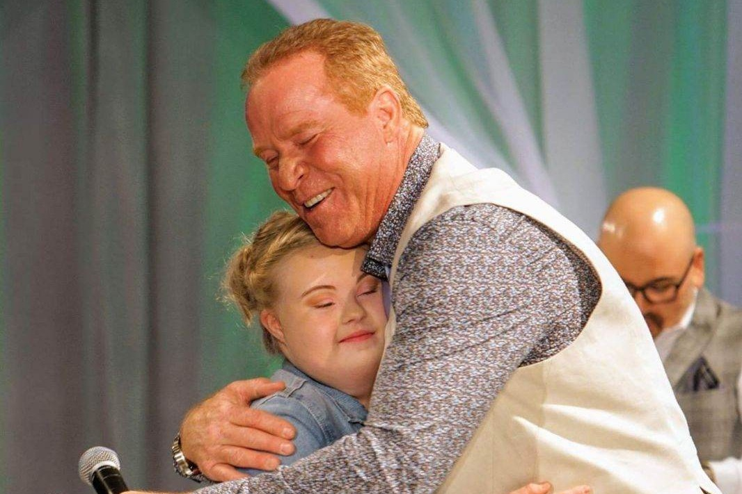 Rex Hudler hosts the YMCA Challenge Your Fashion event