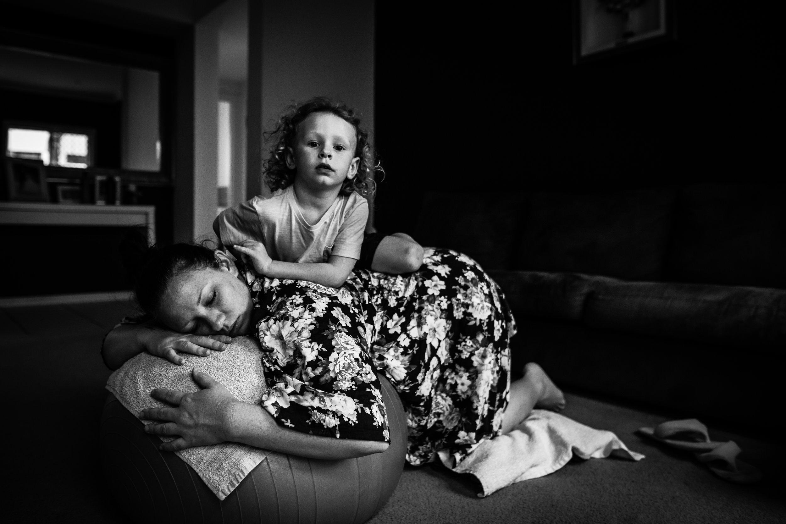 Birth-Photographer-for-Travel-Emma (33).jpg