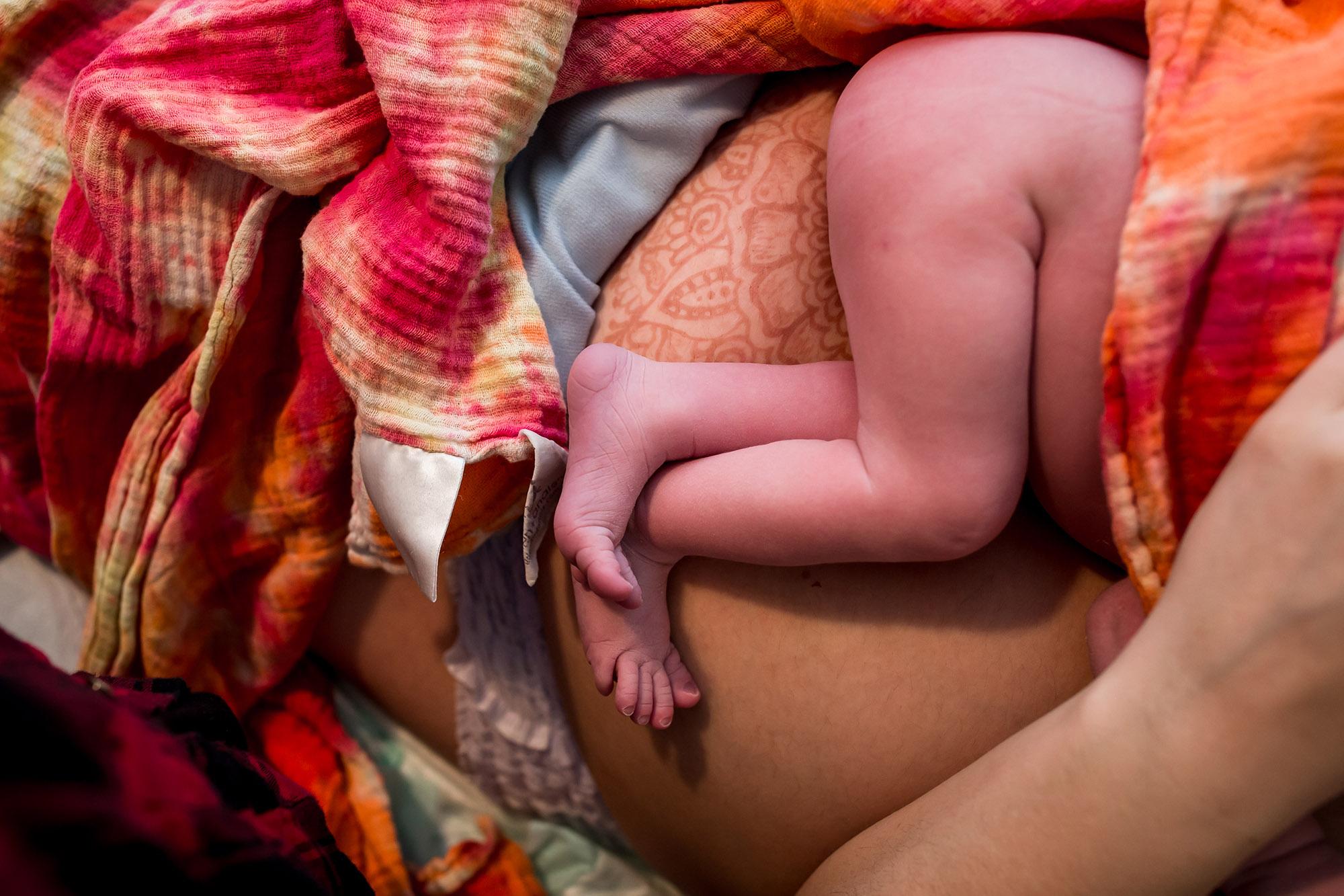Birth-photography-details-Michigan