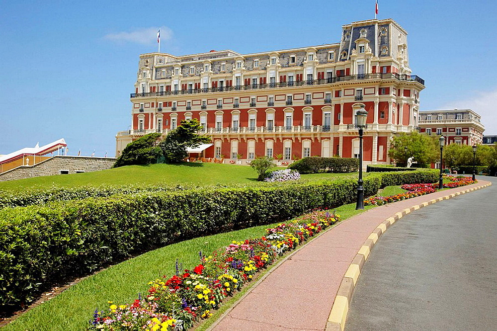 L'Hȏtel du Palais a Biarritz
