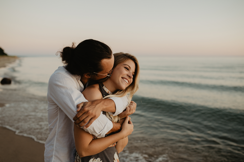 lake-michigan-couple-shoot