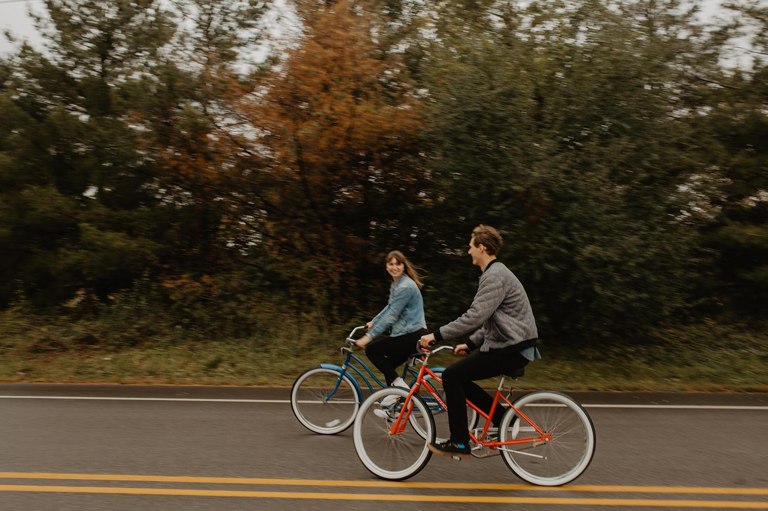 bike-couple-shoot
