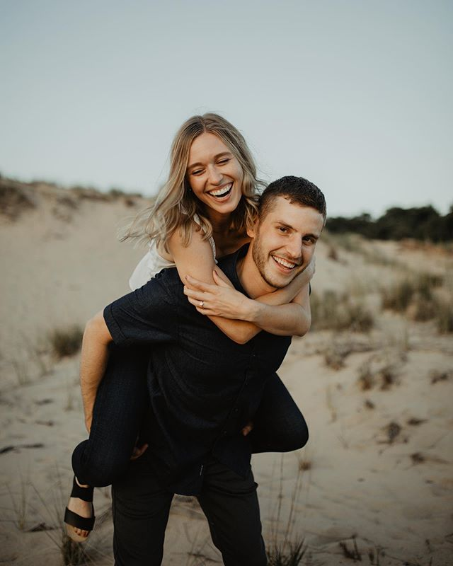 Super duper stoked for their fall wedding this year!! These guys are just the sweetest all around 💛.