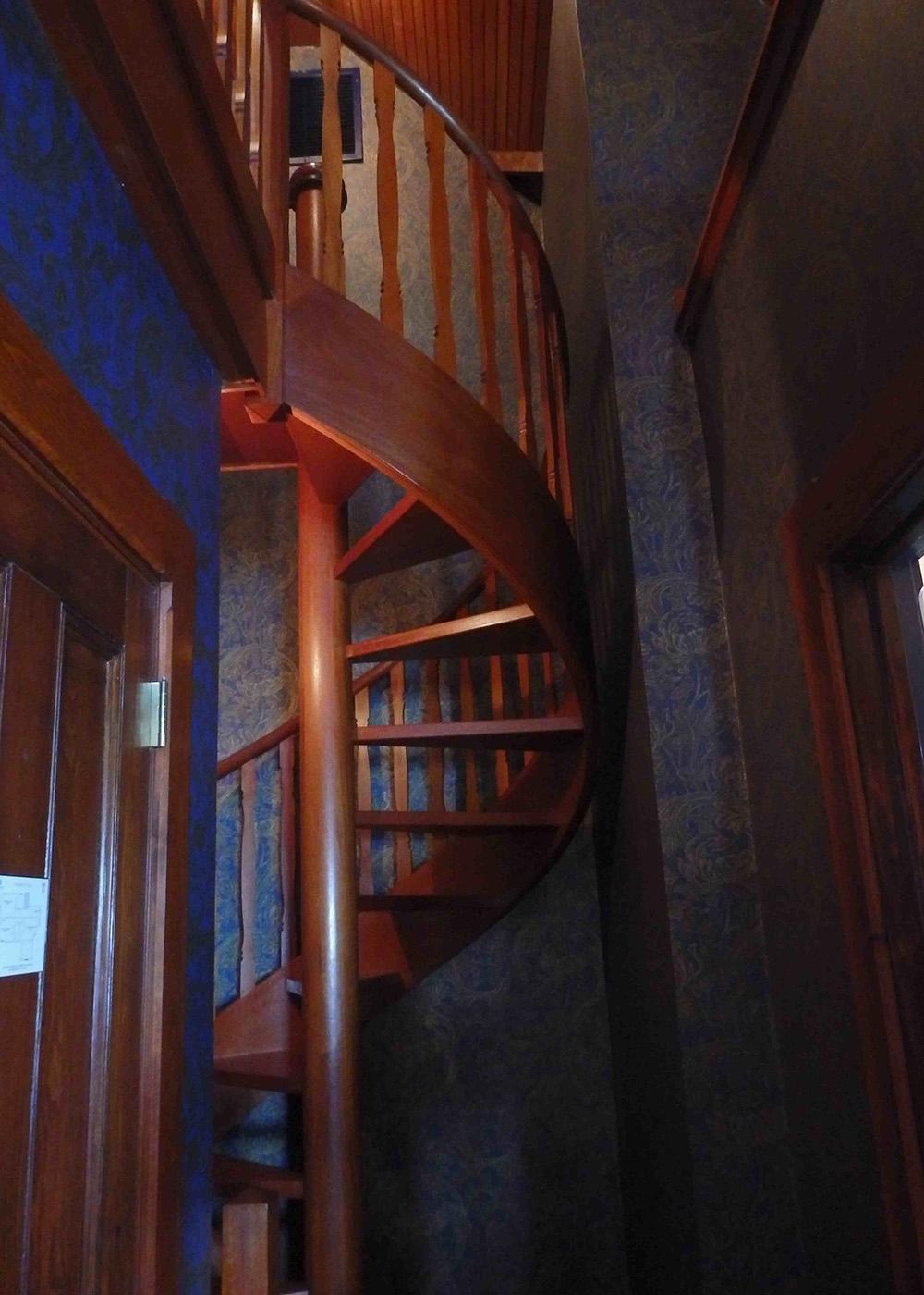 6-stairs.jpg