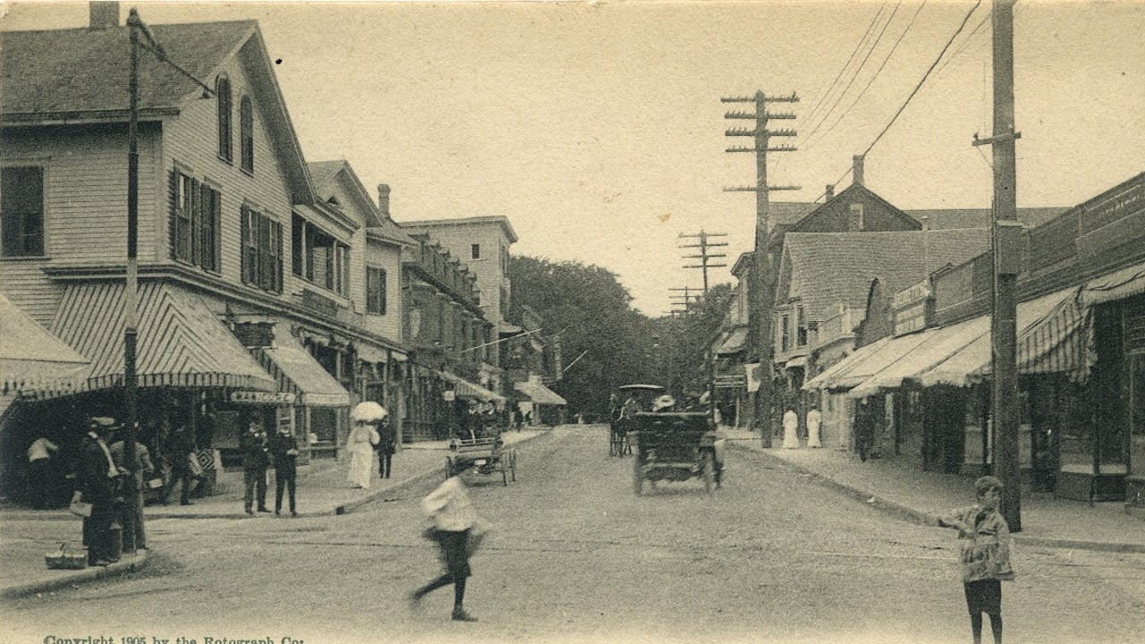 Bellevue Avenue looking north from Bath Road (now Memorial Boulevard), about 1907.