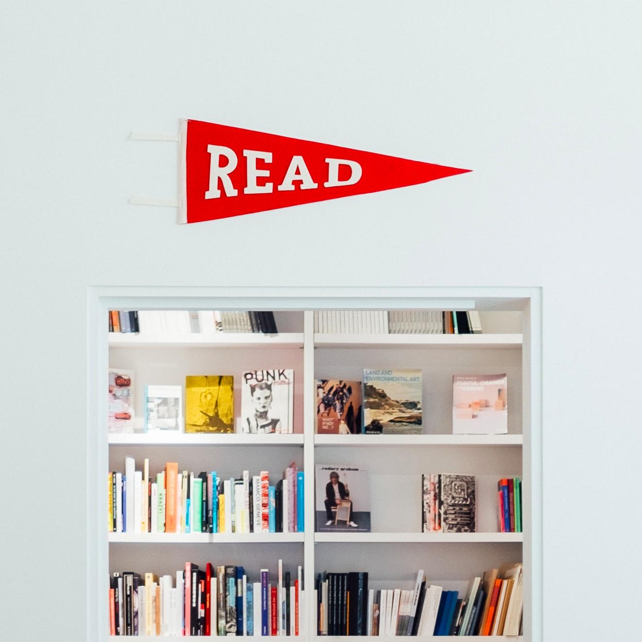 Read+Pennant+and+Bookshelf.jpg