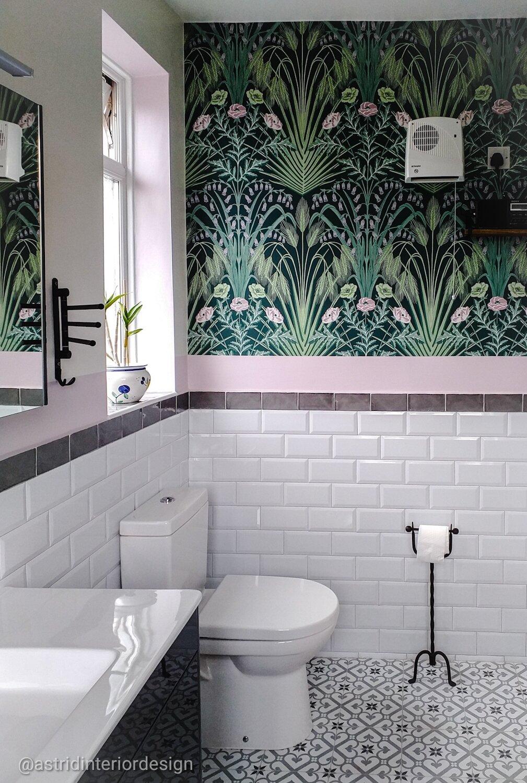 bathroom n14 loo.jpg