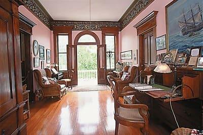 Curry-Mansion-Inn-1.jpg