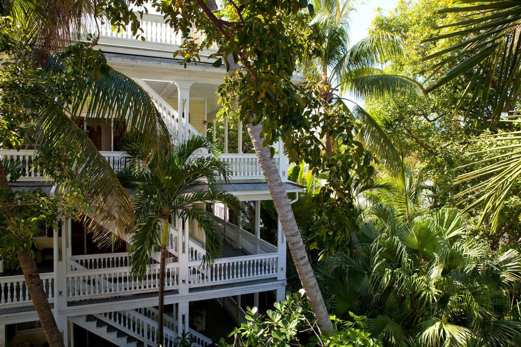 Island-city-house-key-west-outside-2.jpg