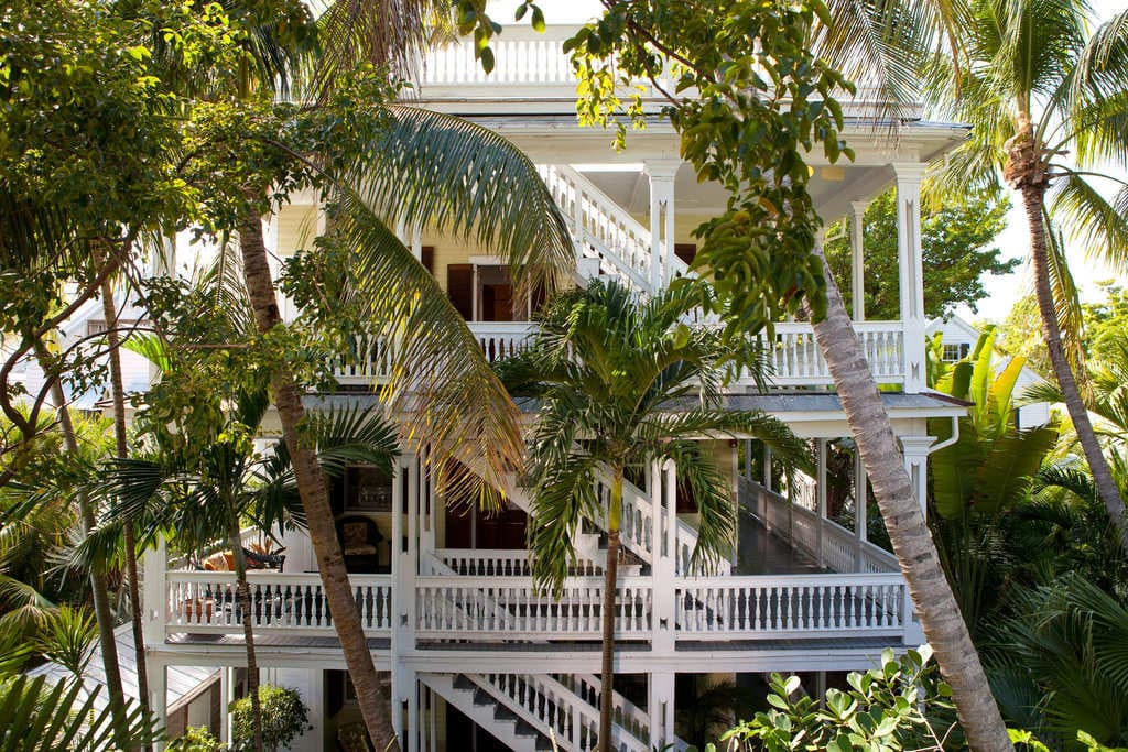 Island-city-house-key-west-outside.jpg
