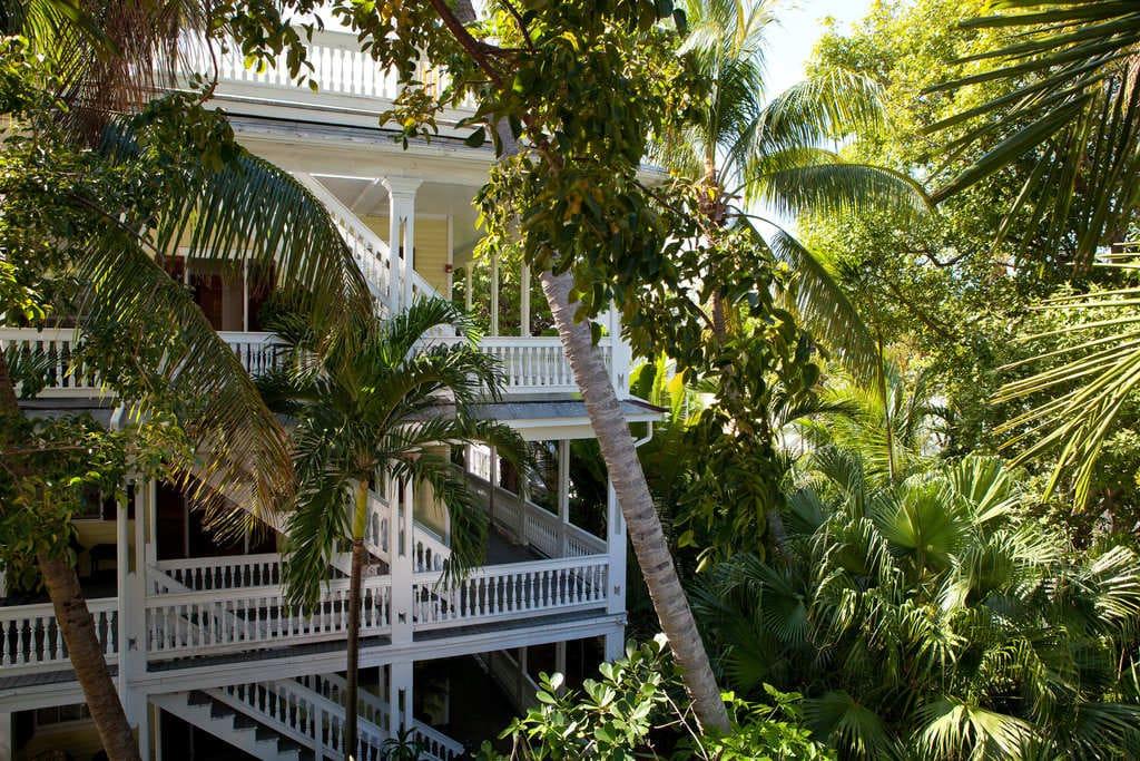 Island-city-house-key-west-outside-2.jpg
