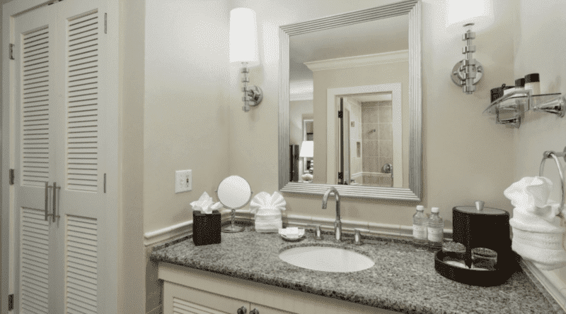southernmost-beach-resort-bathroom.png