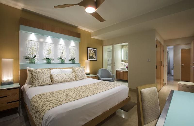 marriott-beachside-key-west-room-2l.jpg
