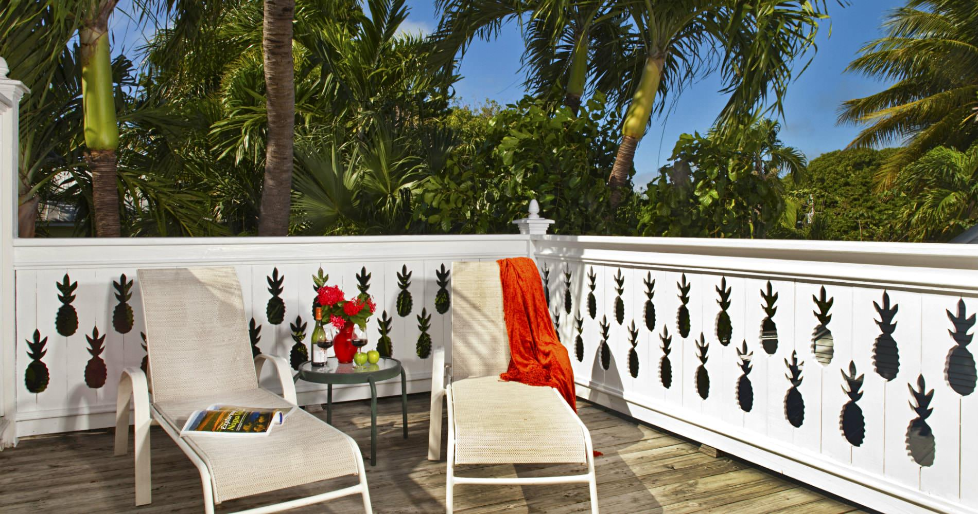 tropical-inn-key-west-patio.jpg