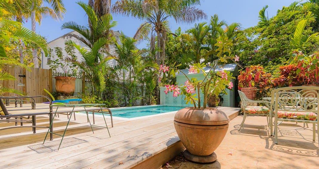 villas-key-west-pool.jpg