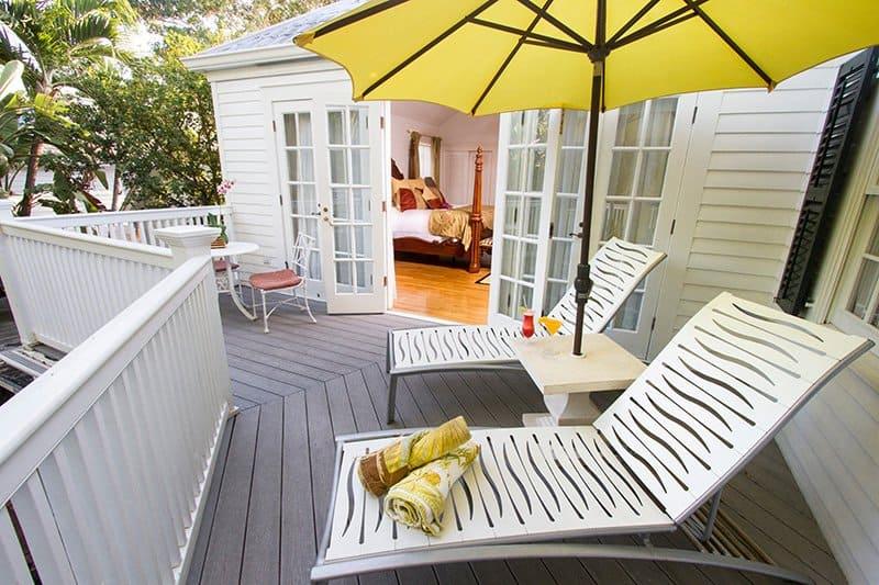 gardens-hotel-exterior-chairs.jpg