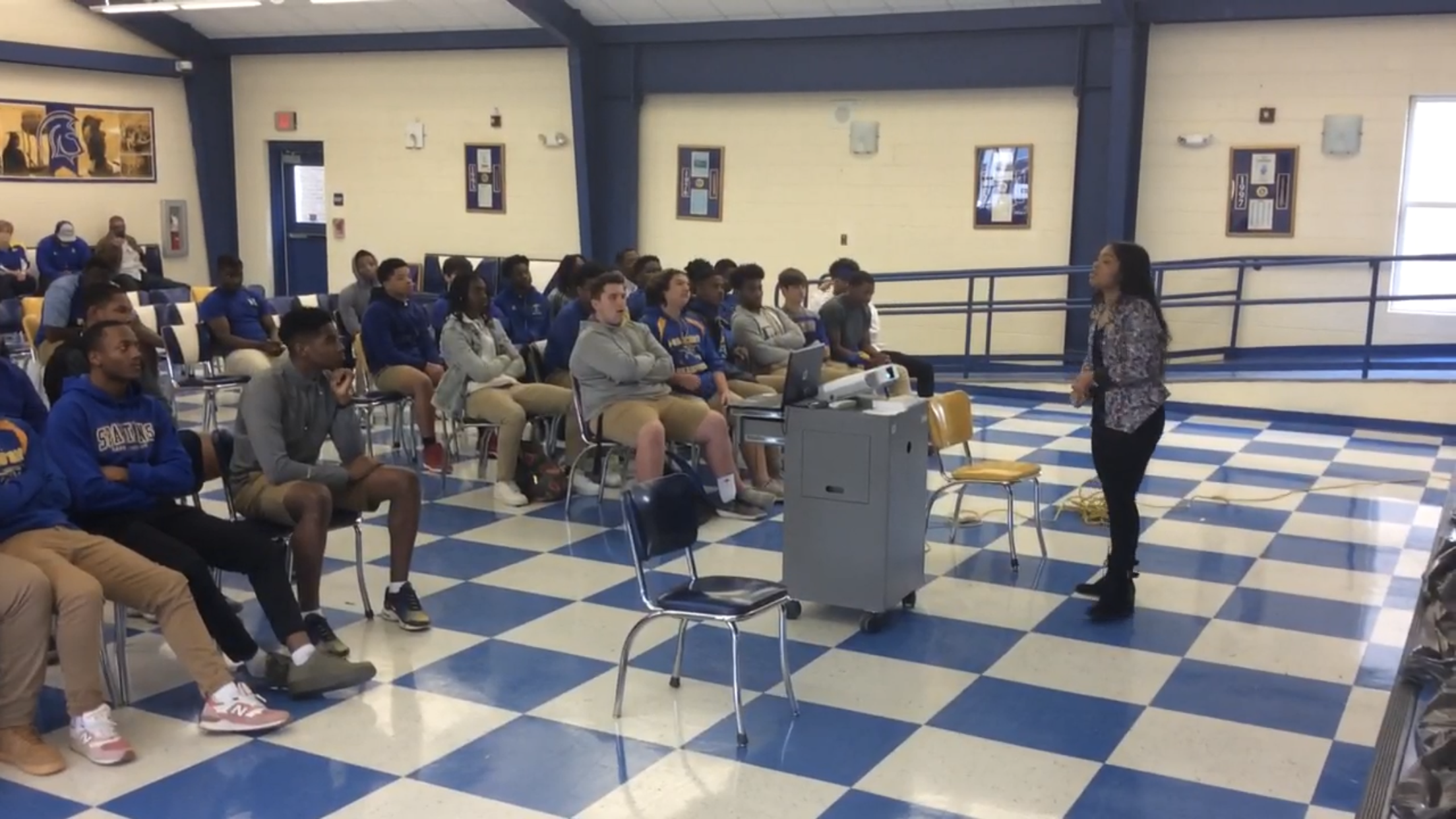 """The Darry Beckwith Foundation  hosts """"Social Media & Scholarships Workshop"""" - East Ascension High School"""