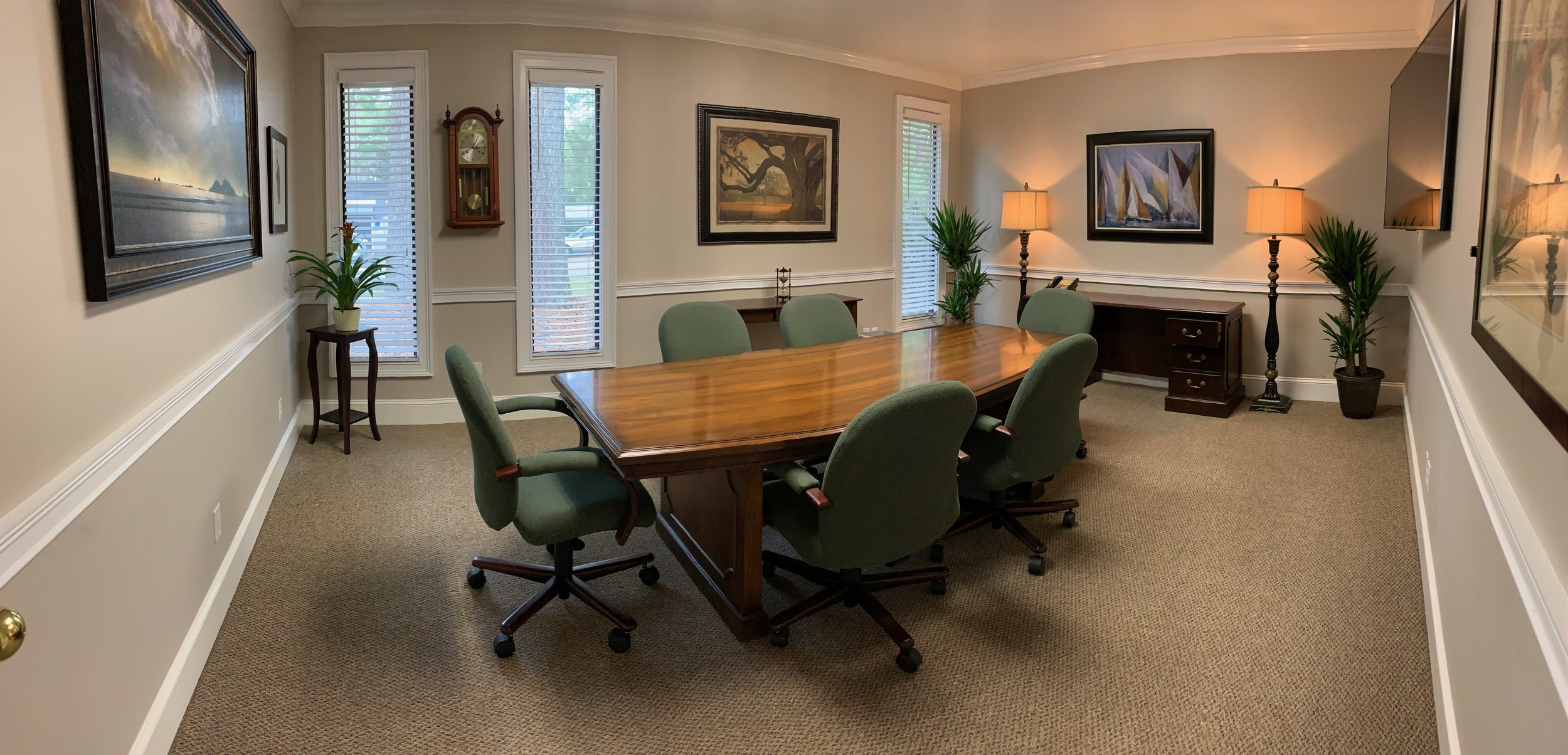 Tallahassee - Corner Suite Conference Room