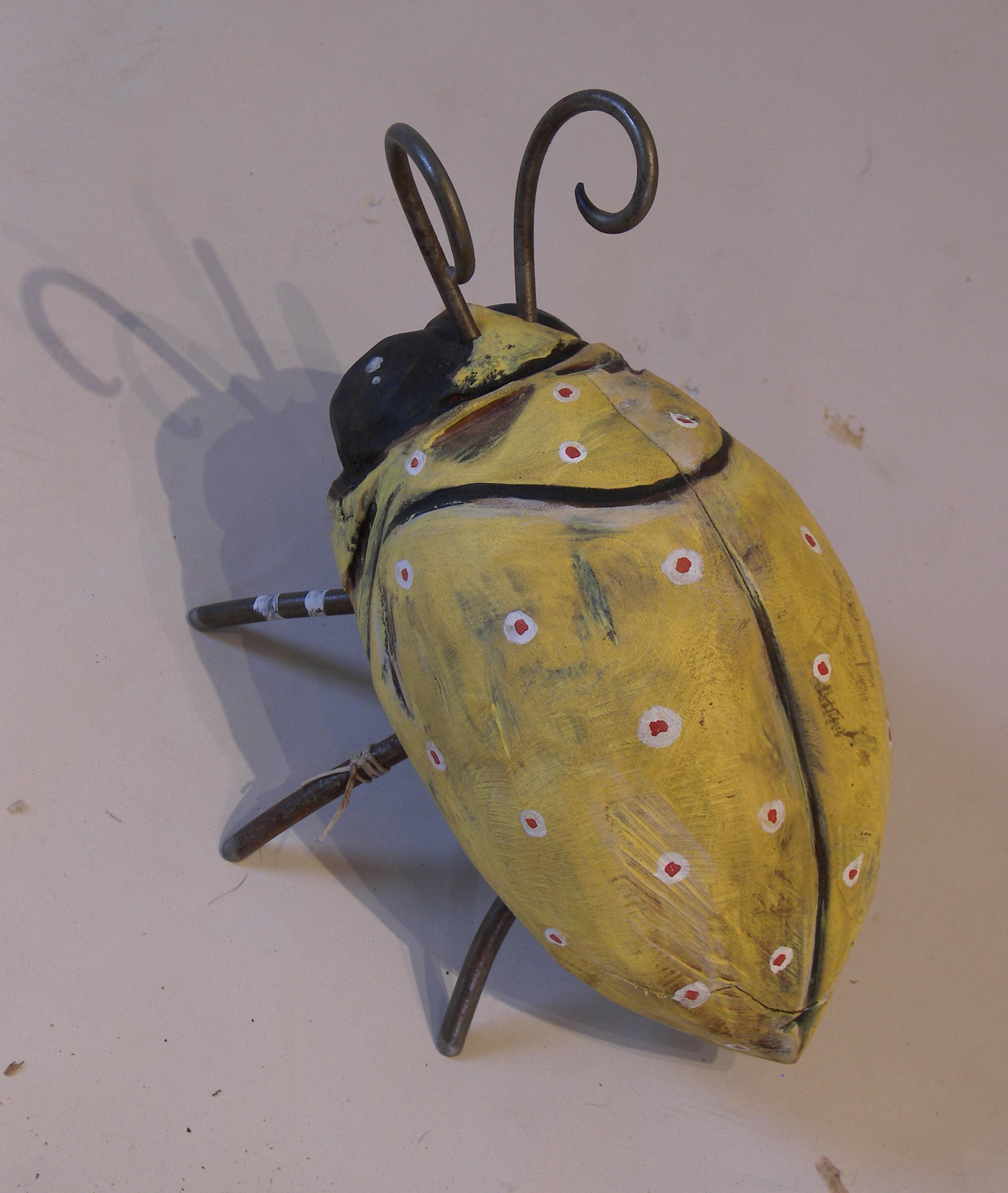 yellowbug3.jpg