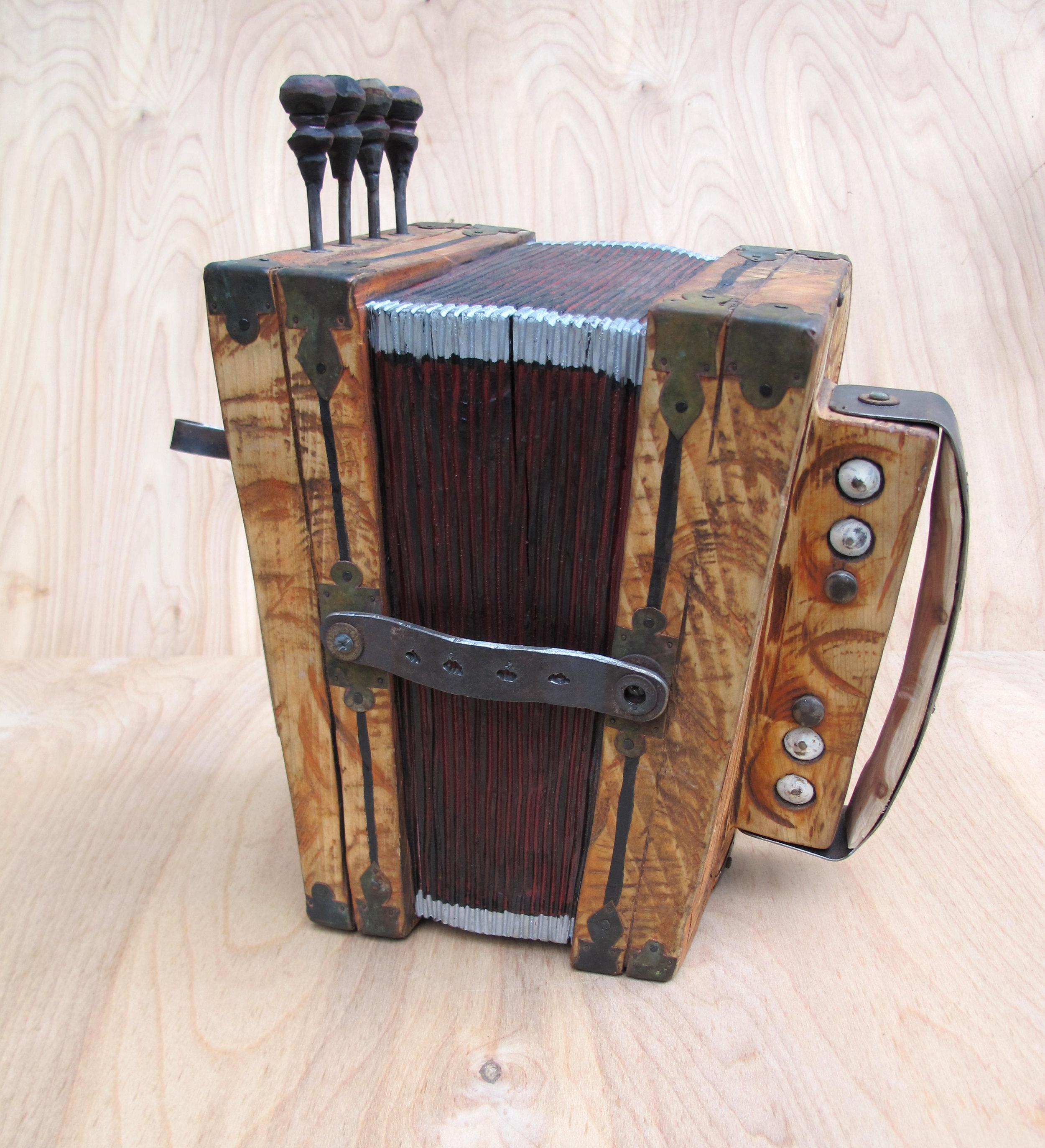 Big accordion2015-04.jpg