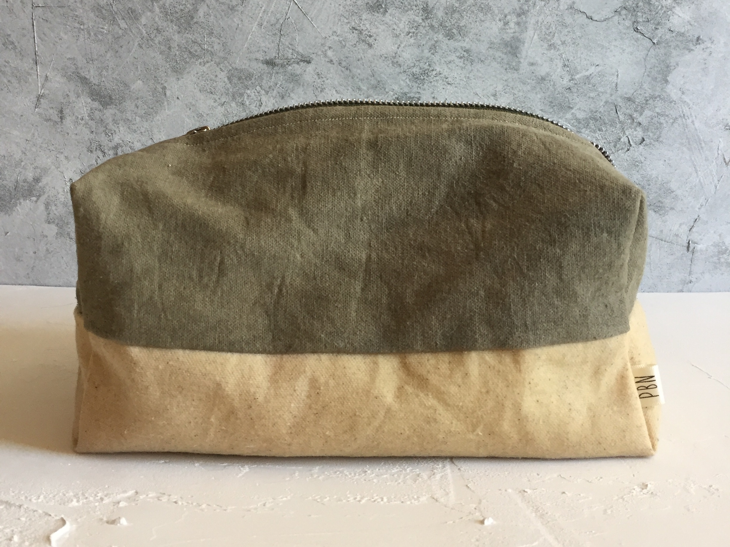 Latest Product Range: - All natural Hand-dyed Waxed Canvas Wash Bags